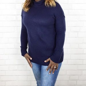 Gap Scoop Neck Sweater. Size M